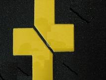 Крестообразный, прямоугольные края